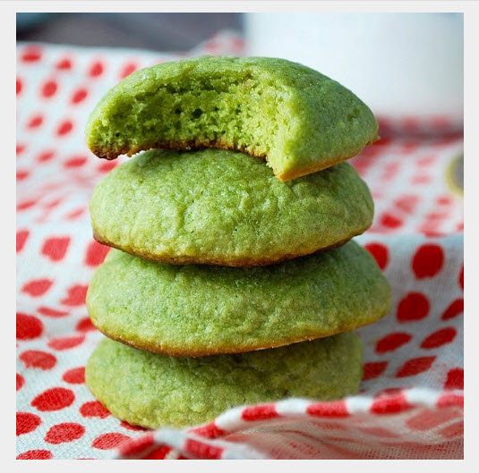 green matcha cookies